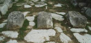 Passaggio pedonale di età romana (Alba Fucens)